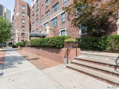109-14 Ascan Ave #1f, Forest Hills, NY 11375