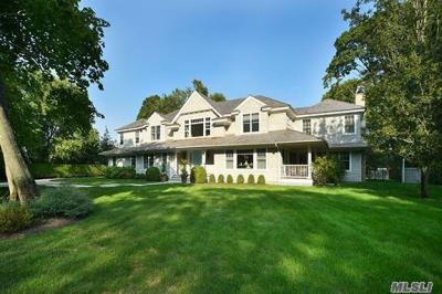 Photo of 4 Eaglewood Dr, Westhampton, NY 11977