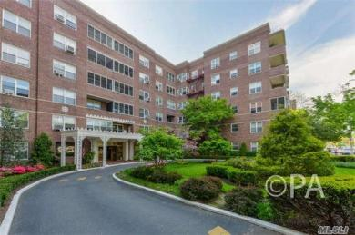 67-38 108 Th Street #D35, Forest Hills, NY 11375