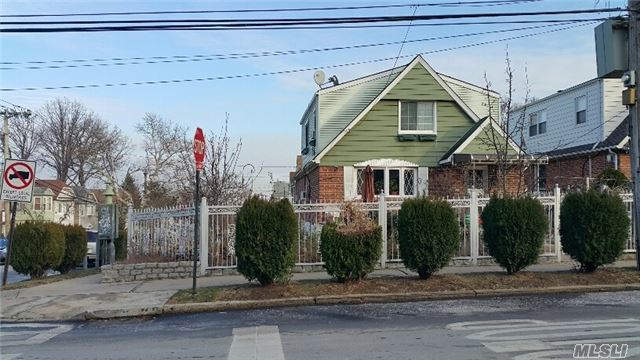 11-03 College Point Blvd, College Point, NY 11356