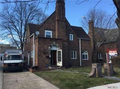 108-29 67th Dr, Forest Hills, NY 11375
