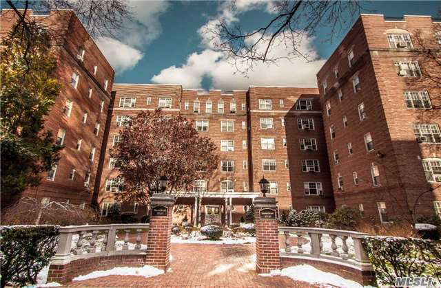 77-35 113th Street #5g, Forest Hills, NY 11375