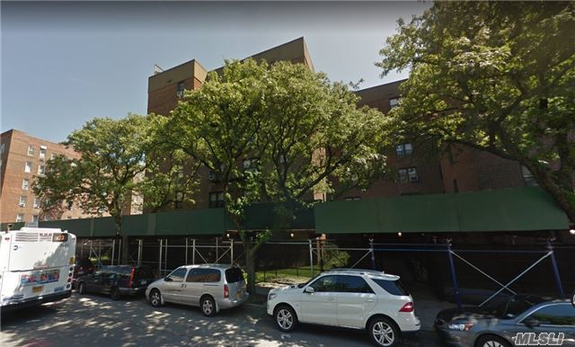 65-39 108 St #C8, Forest Hills, NY 11375