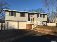 123 Studley St, Brentwood, NY 11717
