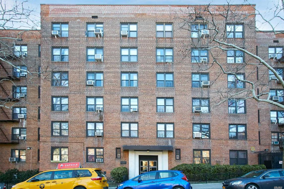 102-32 65 Ave #B-32, Forest Hills, NY 11375