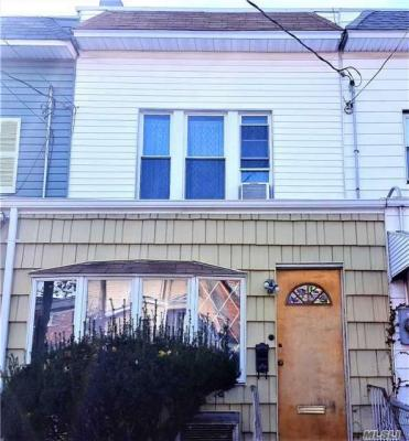Photo of 69-06 78th St, Middle Village, NY 11379
