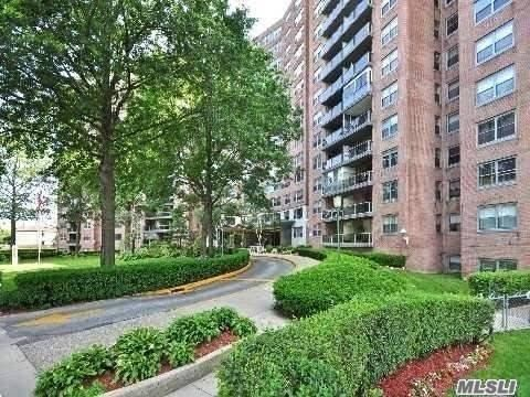 61-20 Grand Central Pky #A102, Forest Hills, NY 11375