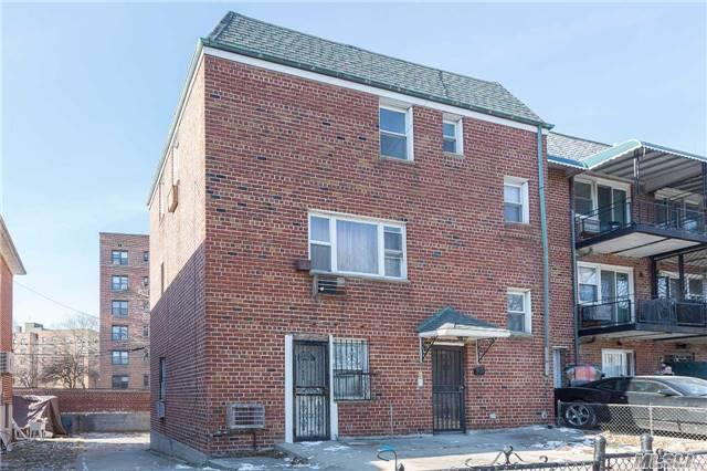 71-50 Kissena Blvd, Flushing, NY 11367