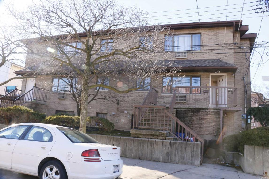 3-12 126th St, College Point, NY 11356