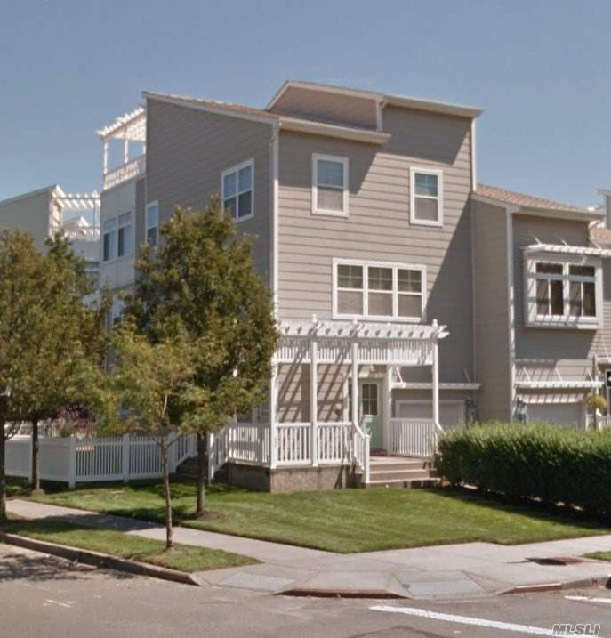 194 Beach 74th St #Lower, Arverne, NY 11692