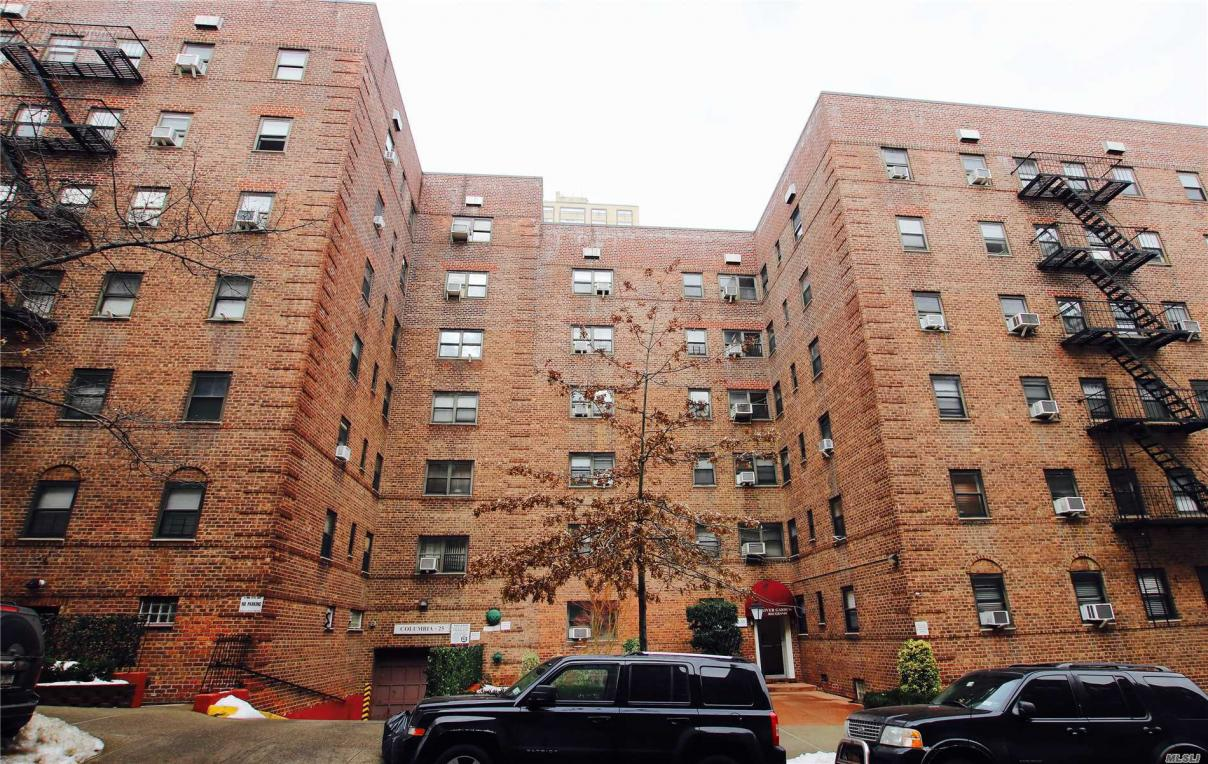 102-35 67th Rd #4l, Forest Hills, NY 11375