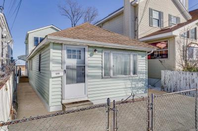 Photo of 328 Cross Bay Blvd, Broad Channel, NY 11693