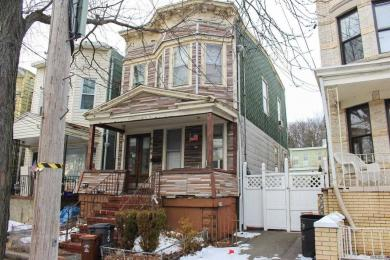 76-09 85 Dr, Woodhaven, NY 11421