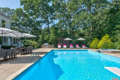 Photo of 800 West Rd, Cutchogue, NY 11935