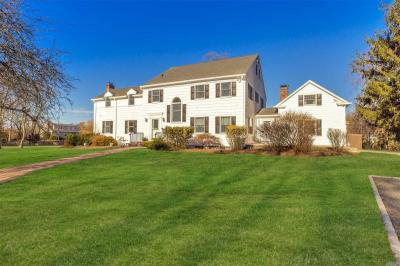 Photo of 21 Demarre Ln, Bayport, NY 11705