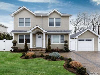Photo of 2347 7th St, East Meadow, NY 11554