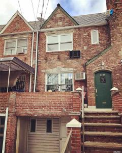 67-05 Burns St, Forest Hills, NY 11375