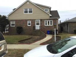 576 E Chester St, Long Beach, NY 11561