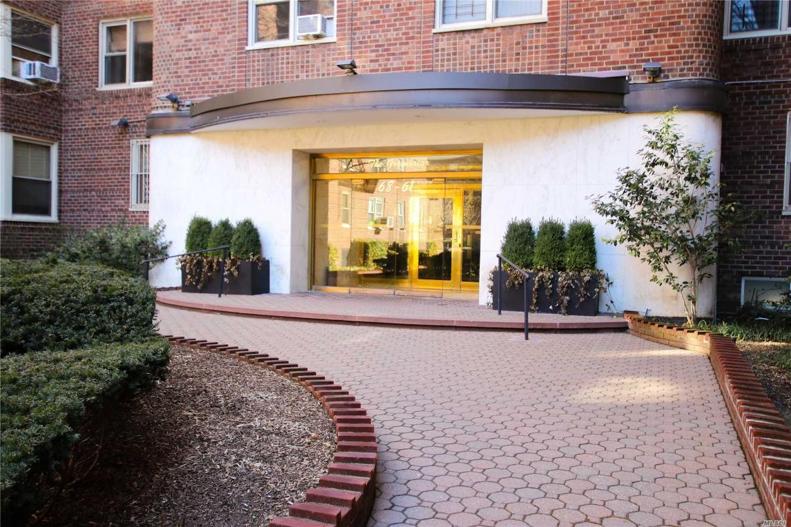 68-61 Yellowstone Blvd #217, Forest Hills, NY 11375