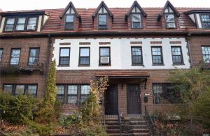 388 Burns St #2 Fl, Forest Hills, NY 11375