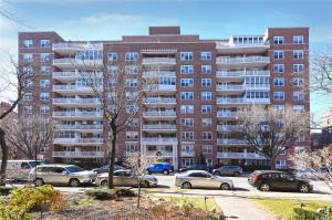 69-10 108th St #10c, Forest Hills, NY 11375