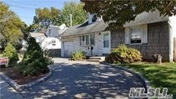 Photo of 1810 Prospect Ave, East Meadow, NY 11554