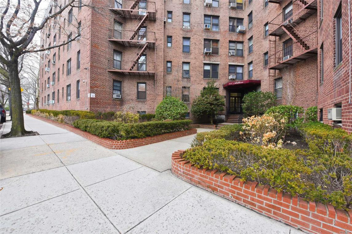 83-55 Woodhaven Blvd #2g, Woodhaven, NY 11421