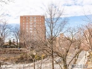601 Kappock St #2c, Out Of Area Town, NY 11769
