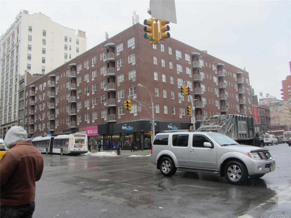 170 W 23 St #2l, Out Of Area Town, NY 10011