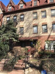 286 Burns St #2, Forest Hills, NY 11375