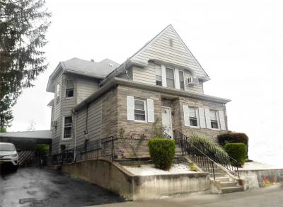 Photo of 12-42 117 St, College Point, NY 11356