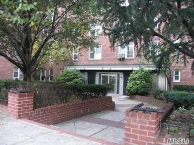 62-59 108th St #3f, Forest Hills, NY 11375