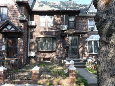 Photo of 63-15 83rd St, Middle Village, NY 11379
