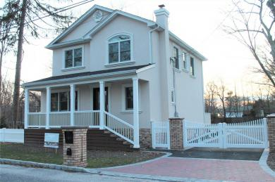 26 Radio Ave, Miller Place, NY 11764