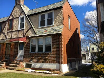 Photo of 66-09 77th Pl, Middle Village, NY 11379