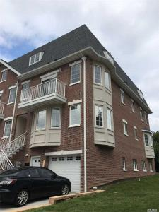 3-61 Soundview Ln, College Point, NY 11356