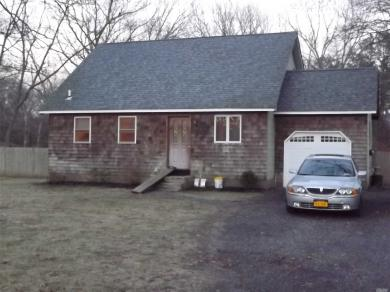 357 Wading River Rd, Manorville, NY 11949