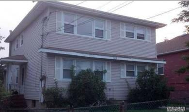 128 Mills Ave, Out Of Area Town, NY 10305