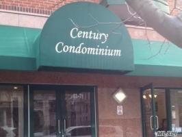 83-71 116 St, Richmond Hill, NY 11418