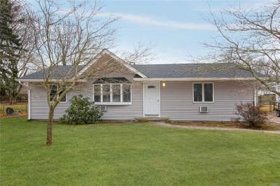 Photo of 44 Morris Ave, Patchogue, NY 11772