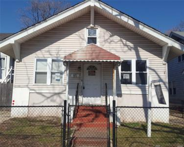 85 E Fulton St, Long Beach, NY 11561