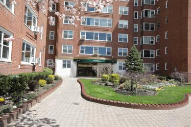 110-45 Queens Blvd, Forest Hills, NY 11375