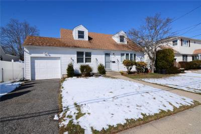 Photo of 77 Rose Dr, East Meadow, NY 11554