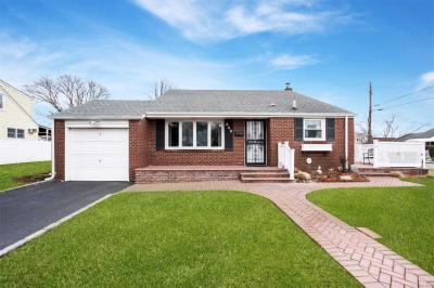 Photo of 449 Green Ave, East Meadow, NY 11554