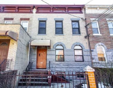 14-40 30th Rd, Astoria, NY 11102