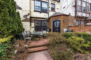 68-26 Ingram St, Forest Hills, NY 11375