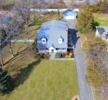 14 Pineridge St, Melville, NY 11747