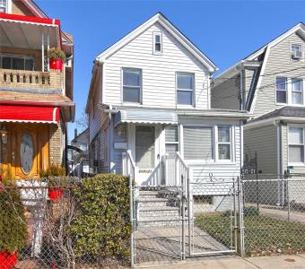 217-21 104th Ave, Queens Village, NY 11429