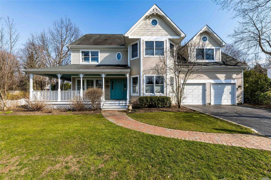 90 Lewis Rd, Northport, NY 11768