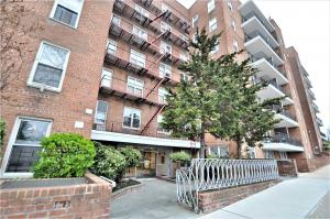67-50 Thornton Pl #4t, Forest Hills, NY 11375